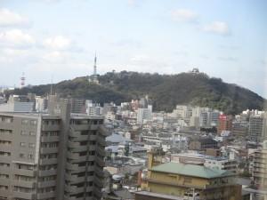ホテルから望む松山城