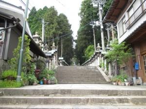 050宝山寺への道